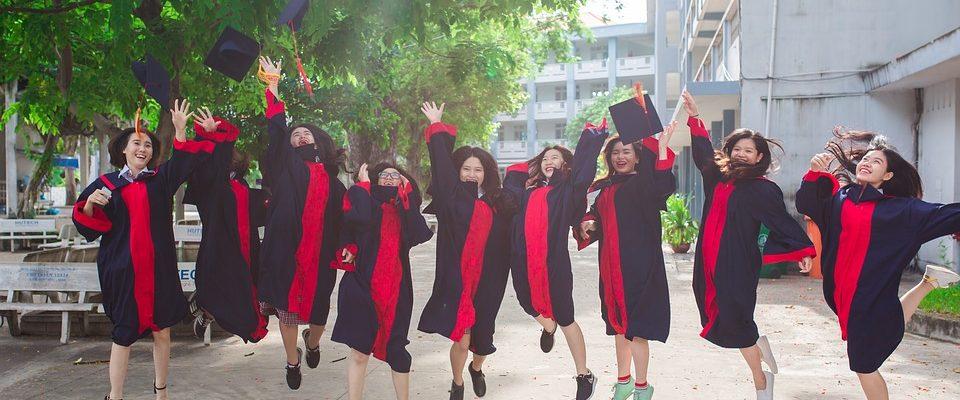 Kolik stojí vysokoškolská studia